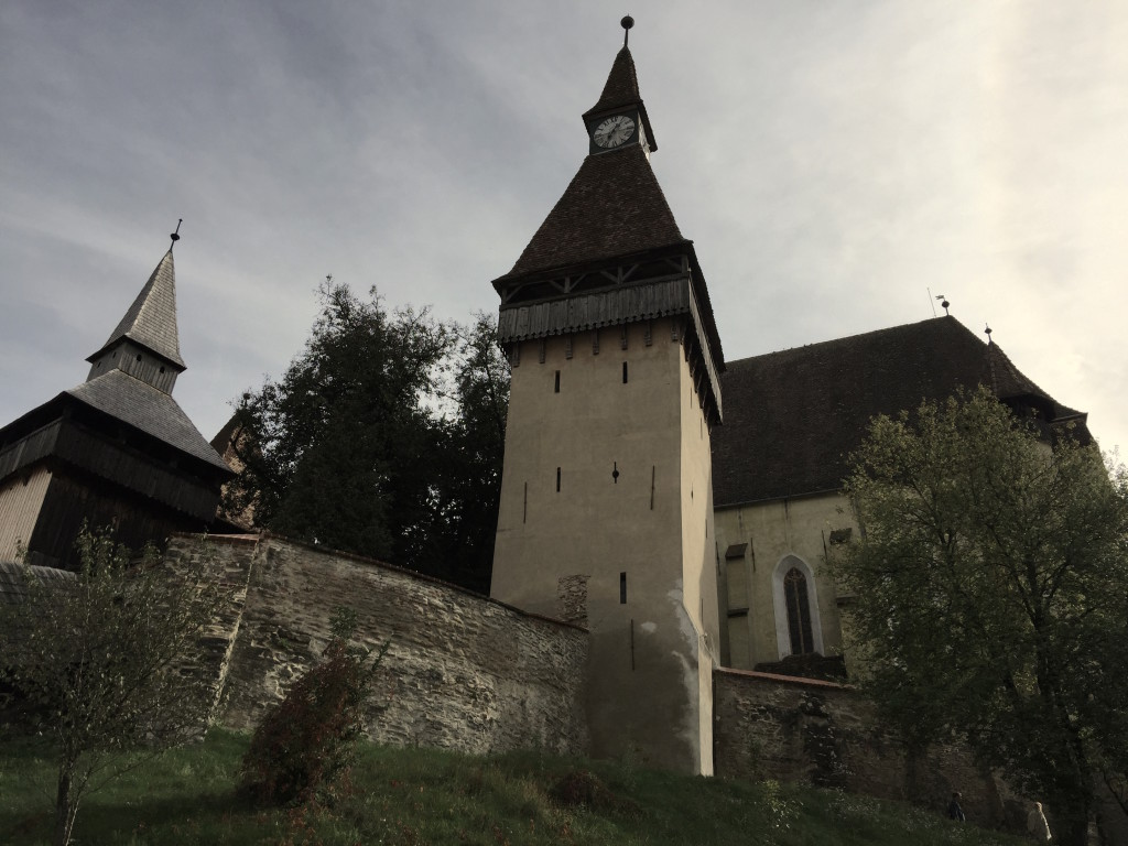 Opevněný kostel v Biertanu