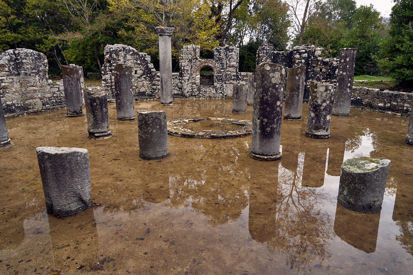 Butrint - ranně byzatské baptisterium